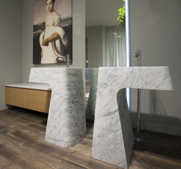 Antonio Lupi presenta la vasca Solidea e il lavabo Pipa realizzati in marmo di Carrara