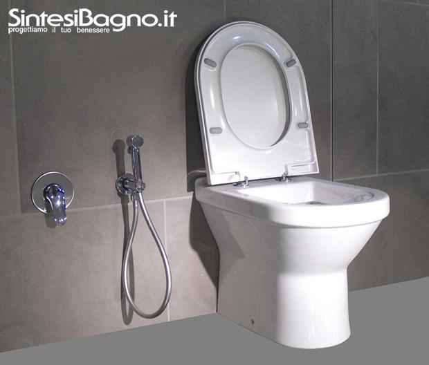 Wc con doccino boiserie in ceramica per bagno - Doccette per bagno ...
