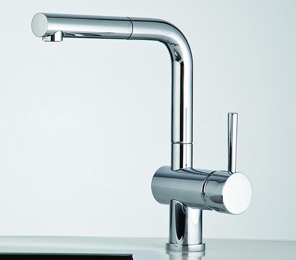 Doccia Sotto Finestra: Box doccia angolare con piatto e vetro.