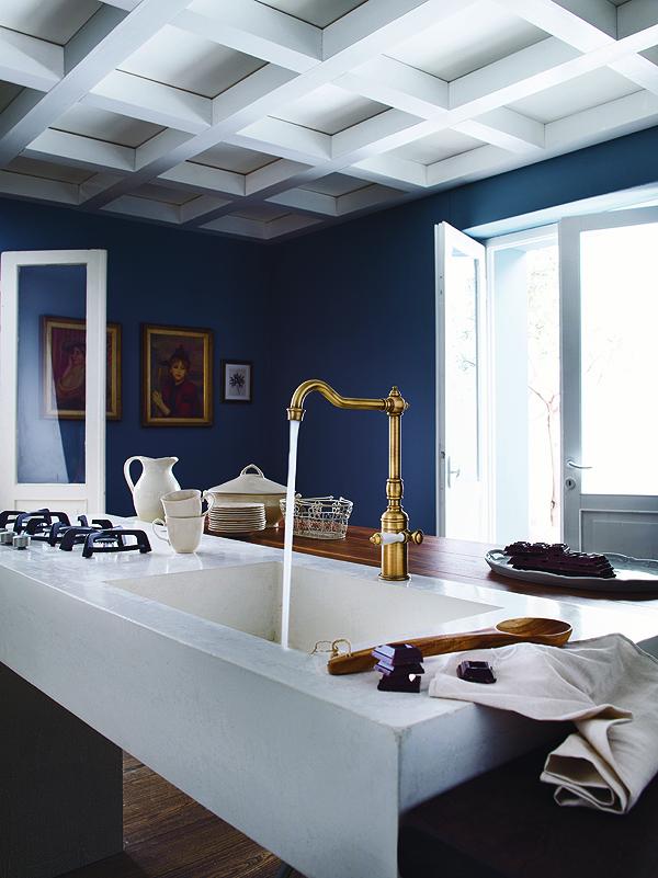 Design old style per la cucina con il miscelatore Charlie in bronzo di Nobili