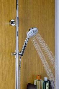 doccia-sempre-pulita-con-easy-clean-di-damast-particolare-doccia-milla