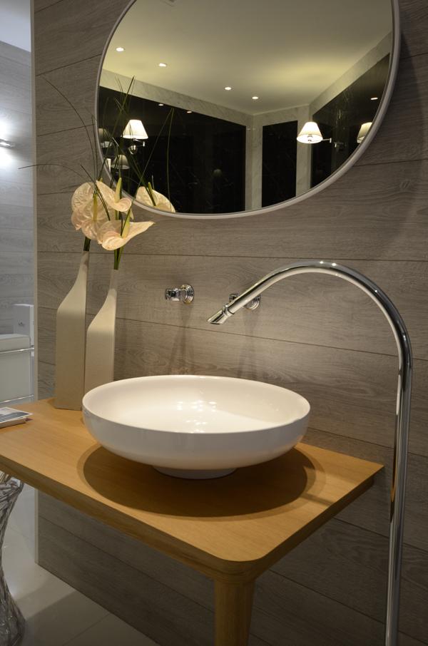 Stand WEBERT | Rubinetto, lavabo a colonna da terra piano lavabo
