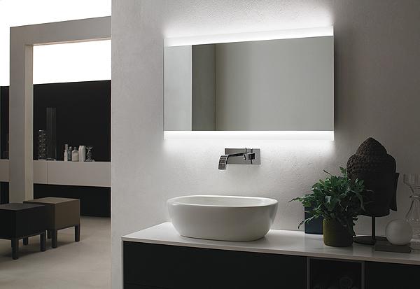VELA | Specchiera bagno retroilluminata LED