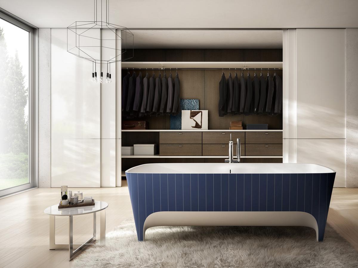 Nella foto, la vasca in Duralight® Accademia Gessato Limited Edition (cm 180x80x59 lxpxh) che richiama nella sua texture l'intramontabile tessuto sartoriale, simbolo eccelso di eleganza e raffinatezza.