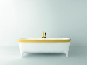 Vasca in Duralight® Accademia Serie Oro Limited Edition (cm 180x80x59 lxpxh) caratterizzata dall'esclusiva fascia realizzata in foglia oro 24 carati.