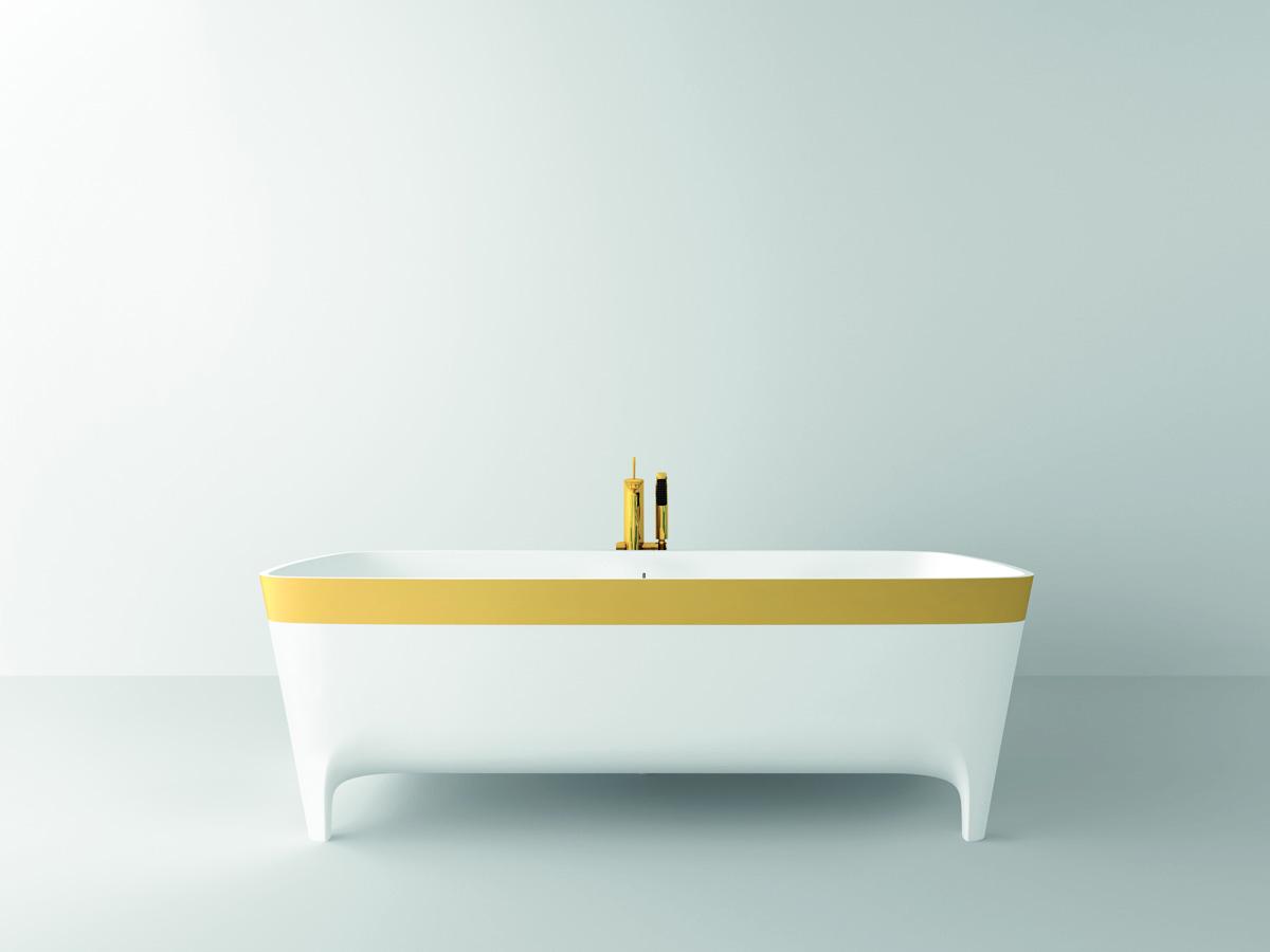Nella foto, la vasca in Duralight® Accademia Serie Oro Limited Edition (cm 180x80x59 lxpxh) caratterizzata dall'esclusiva fascia realizzata in foglia oro 24 carati.