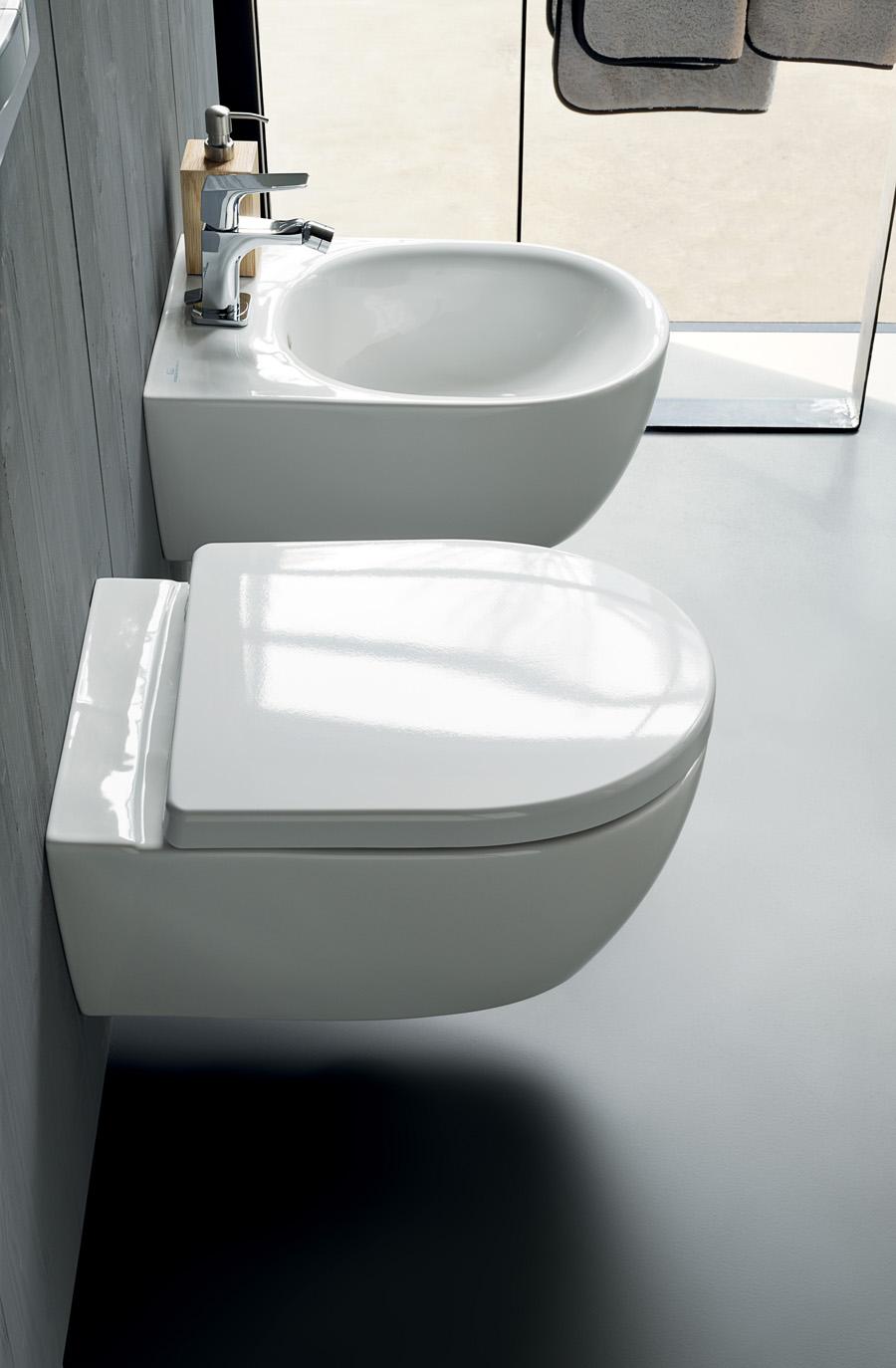 Pozzi Ginori FAST vaso sospeso con tecnologia RIMFREE completo di sedile con chiusura ammortizzata e bidet