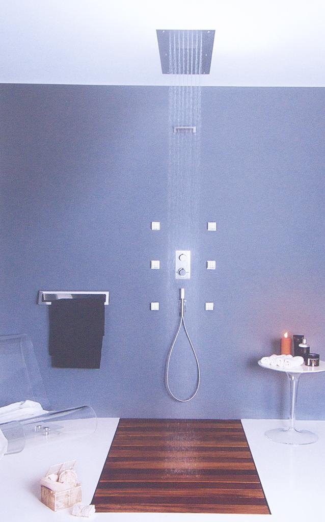 Soffioni doccia per montaggio controsoffitto