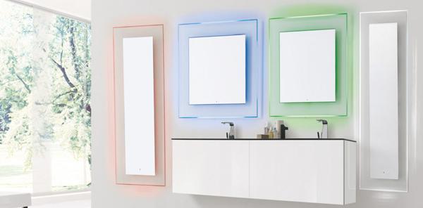 Vanita&Casa lancia la nuova specchiera LED/RGB BOREALE
