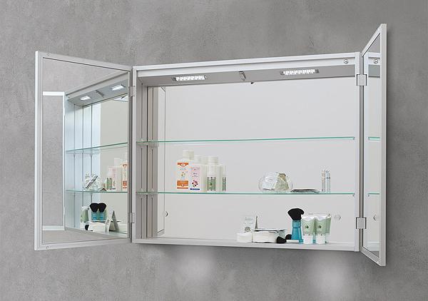 Specchiere bagno led retroilluminate led specchiere for Specchio contenitore bagno