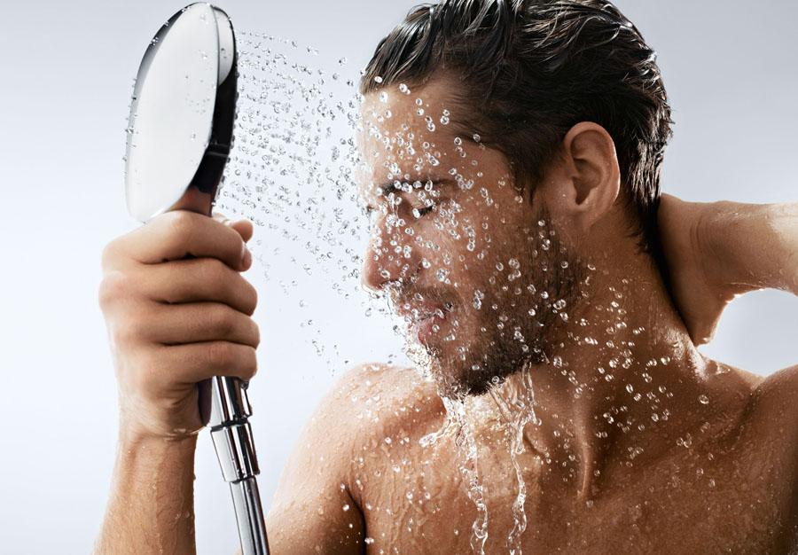 I SEGRETI DEL TEAM GUIDATO DA RALPH DENK / Una doccia hi-tech per il massaggio più efficace