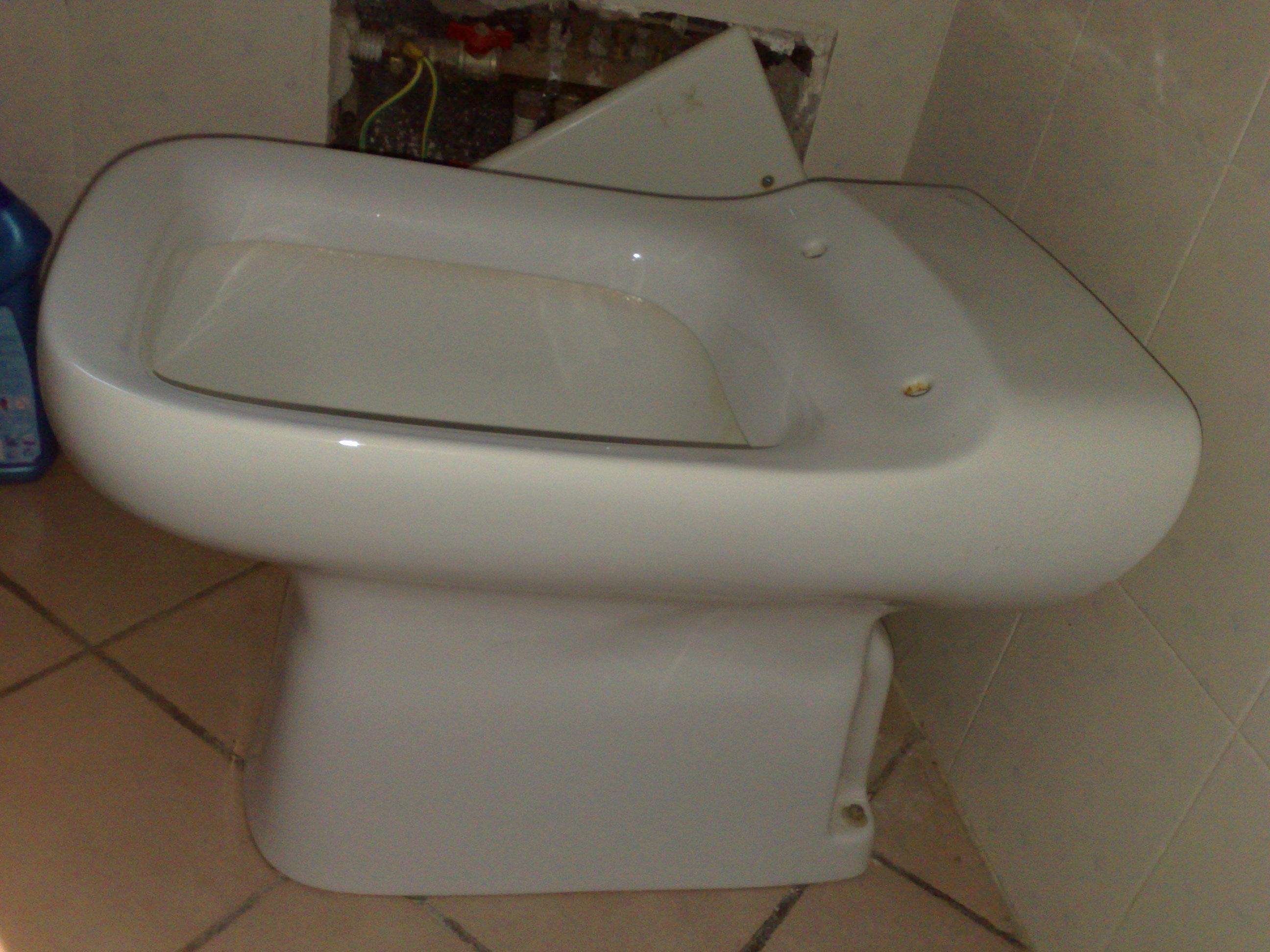 Sedile Water Ideal Standard Modello Conca.Il Vaso E Il Copriwater Conca E I Suoi Fratelli Arredobagno News
